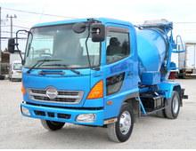 レンジャー コンクリートミキサー車 ドラム容量3.2立米 最大混合容量3840kg 走行22.6万㎞ 6MT